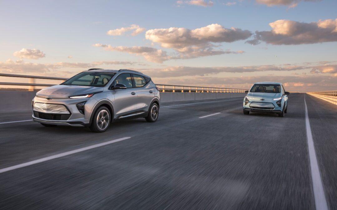 La Chevrolet Bolt EUV 2022 llega junto con el Bolt EV 2022 como la nueva SUV eléctrica de GM